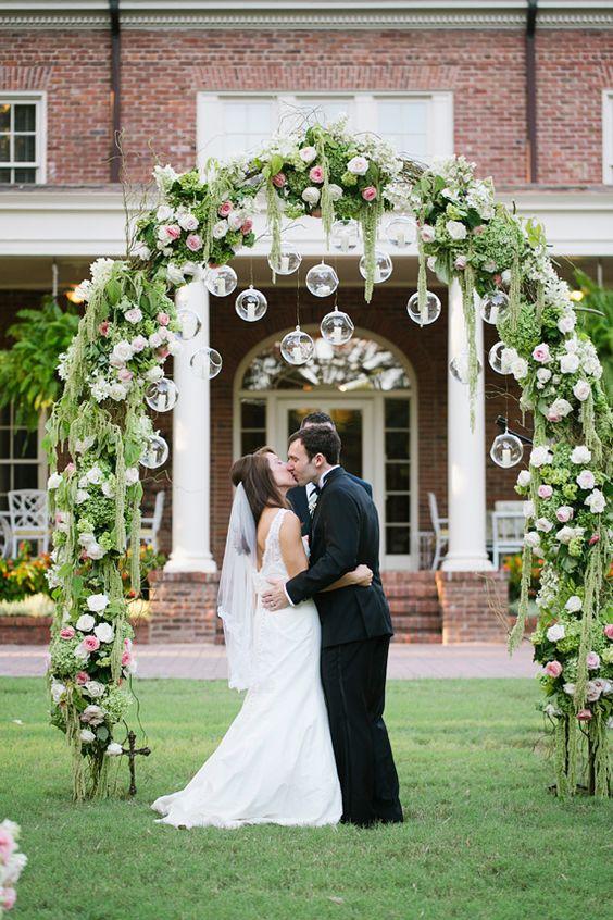 Arco de boda con luces