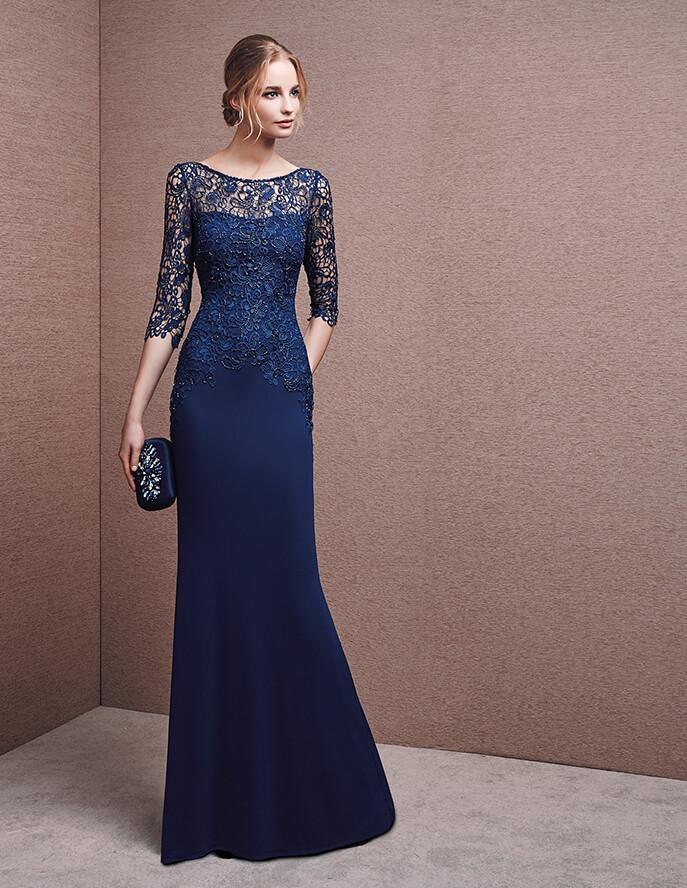 La elegancia se apodera de un vestido marino como éste