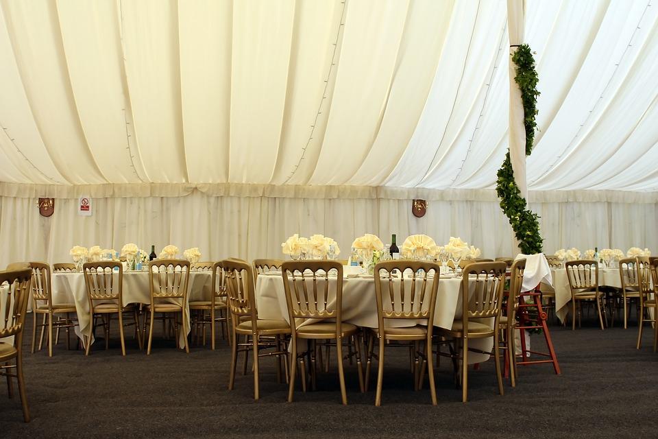 Banquete de boda en una capa