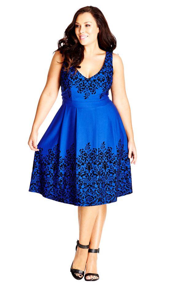 Vestido azul real con bordados