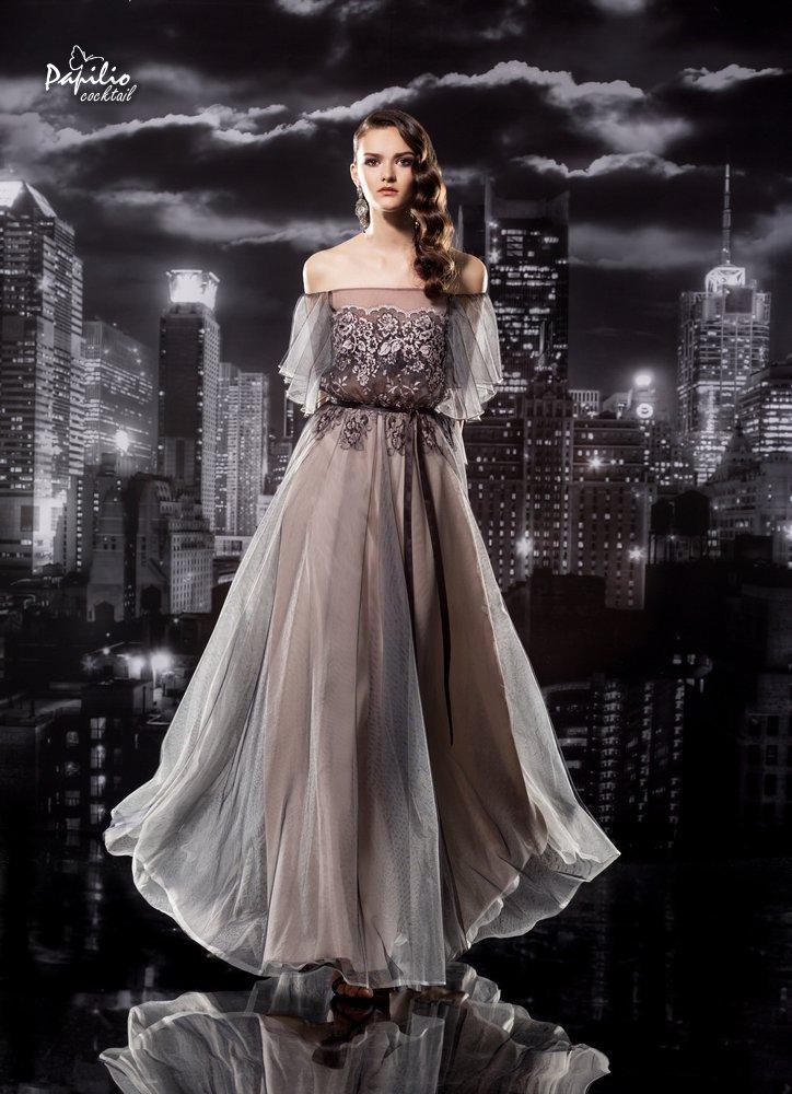 Combinación de tonalidades elegantes en un vestido de fiesta