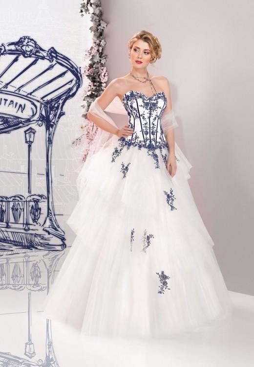 Vestido de novia con bordados en color azul