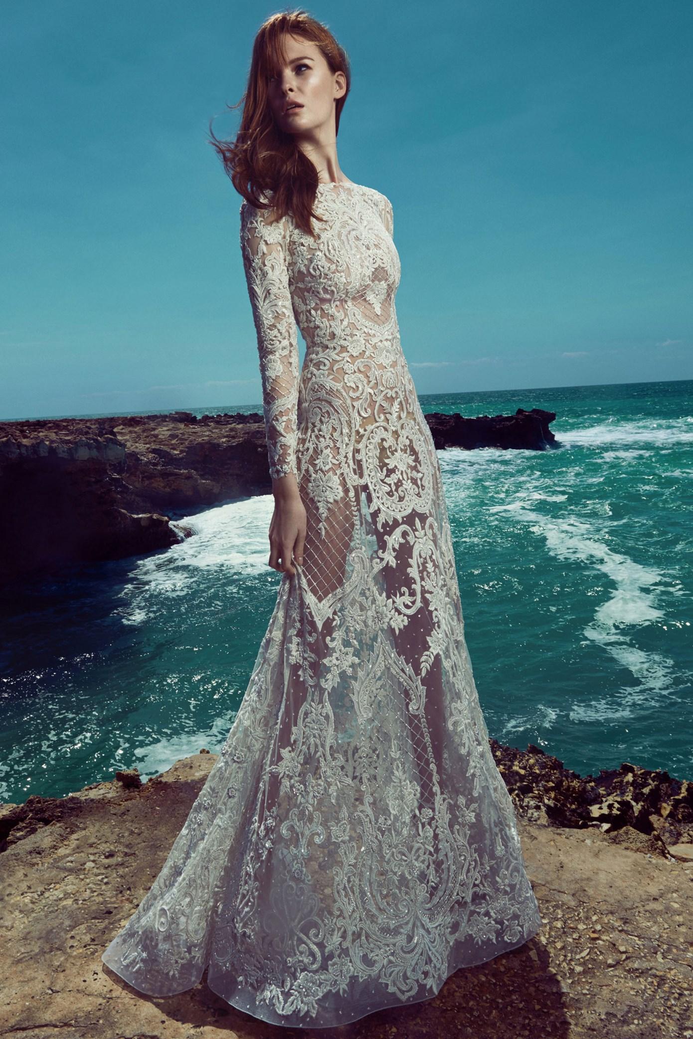 Vestido de novia recto con transparencias