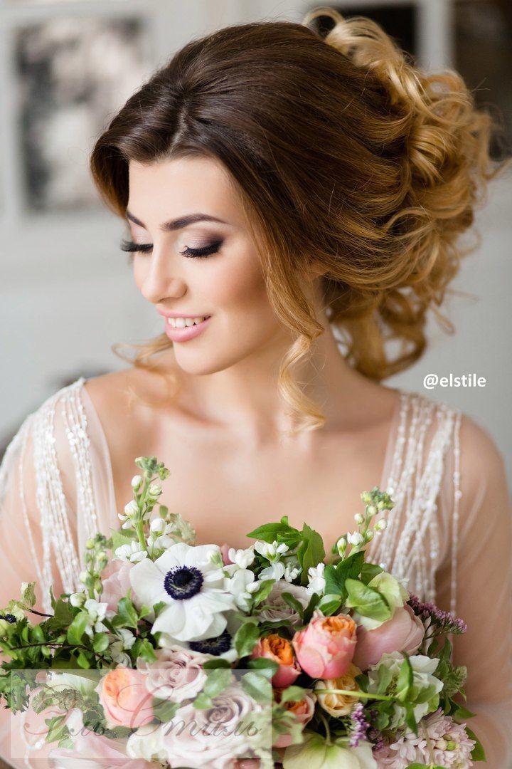 Un poco de volumen en el cabello de la novia gracias a esta idea