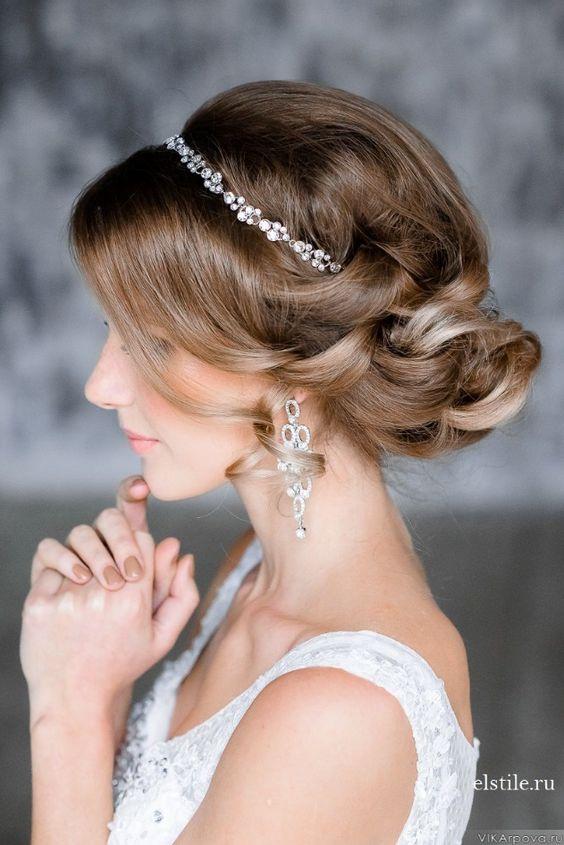 Para las novias con más glamour, un recogido como éste