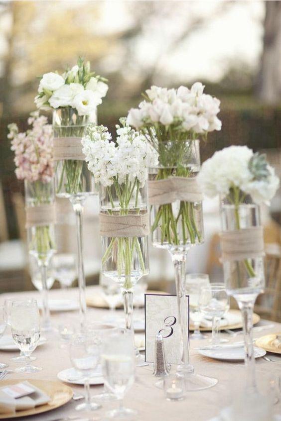 Copas sencillas como centros de mesa para boda