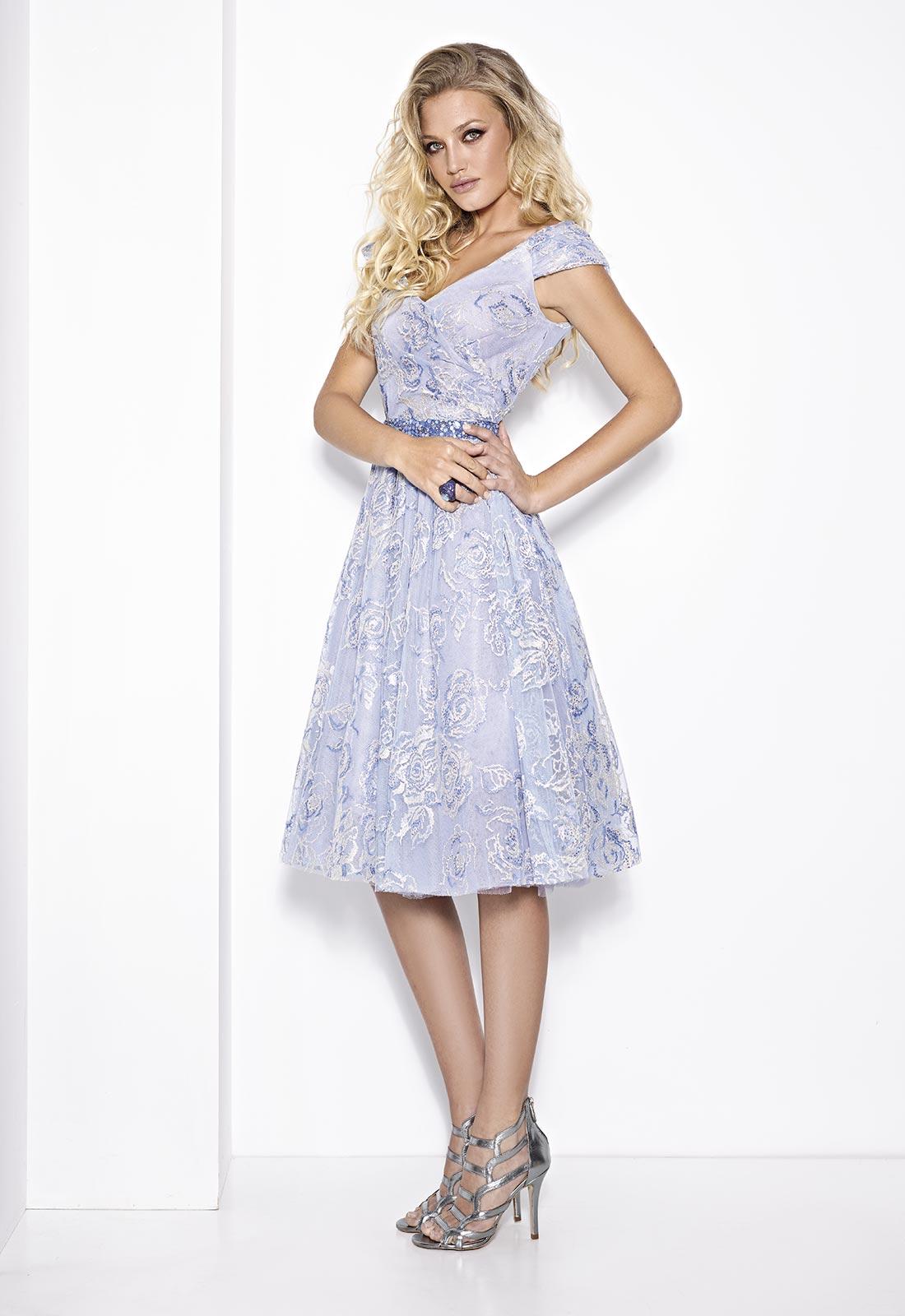 Vestido plisado falda evasé en color azul