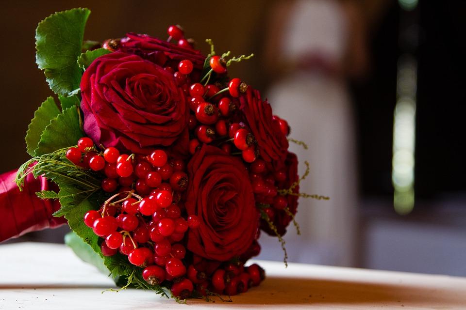 La rosas rojo pasión siempre son una apuesta muy elegante