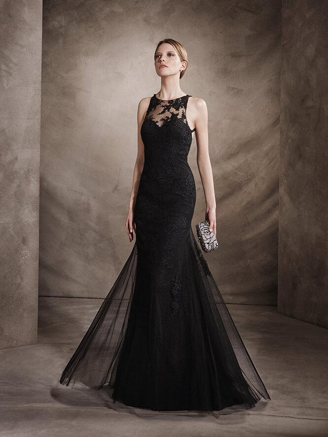 Vestido de corte sirena en color negro