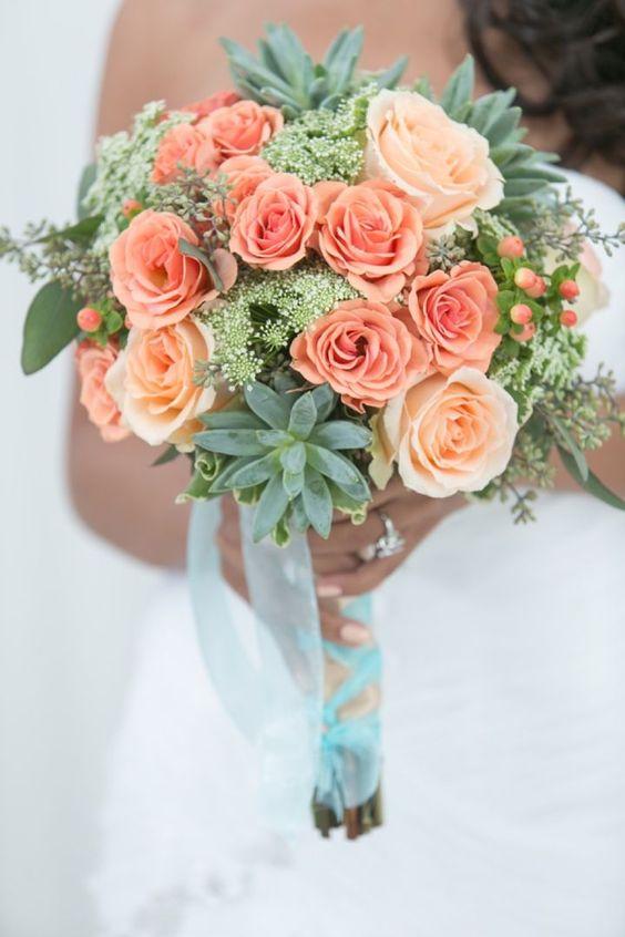 Un precioso y alegre ramo de novia