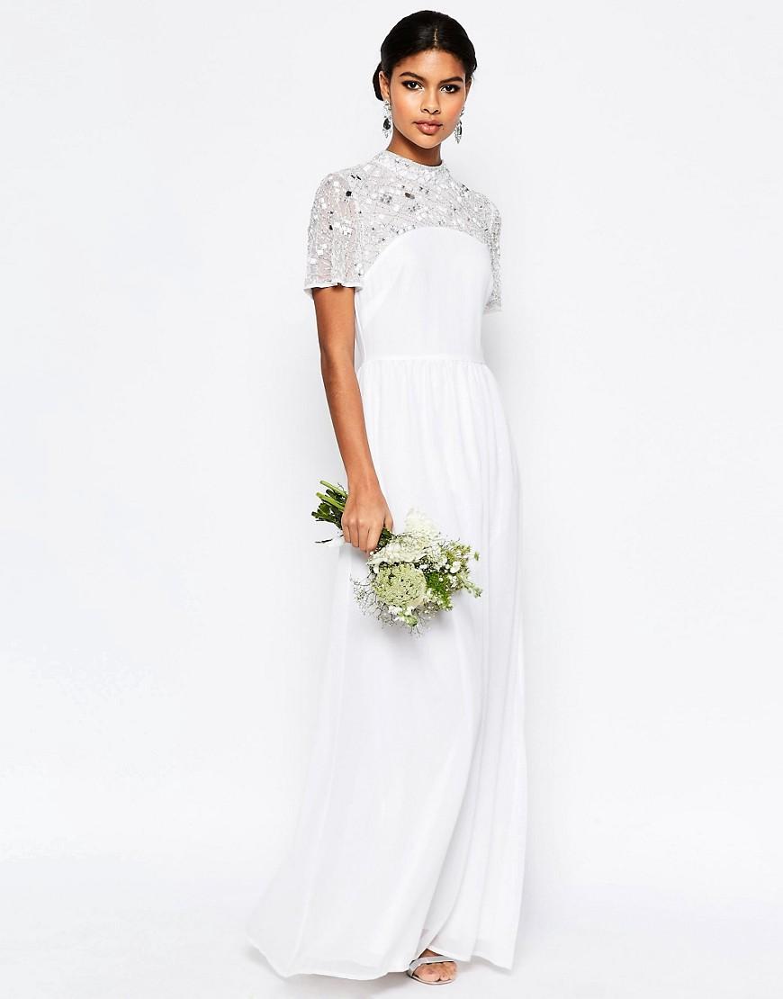 Vestido de novia manga corta con detalles de pedrería