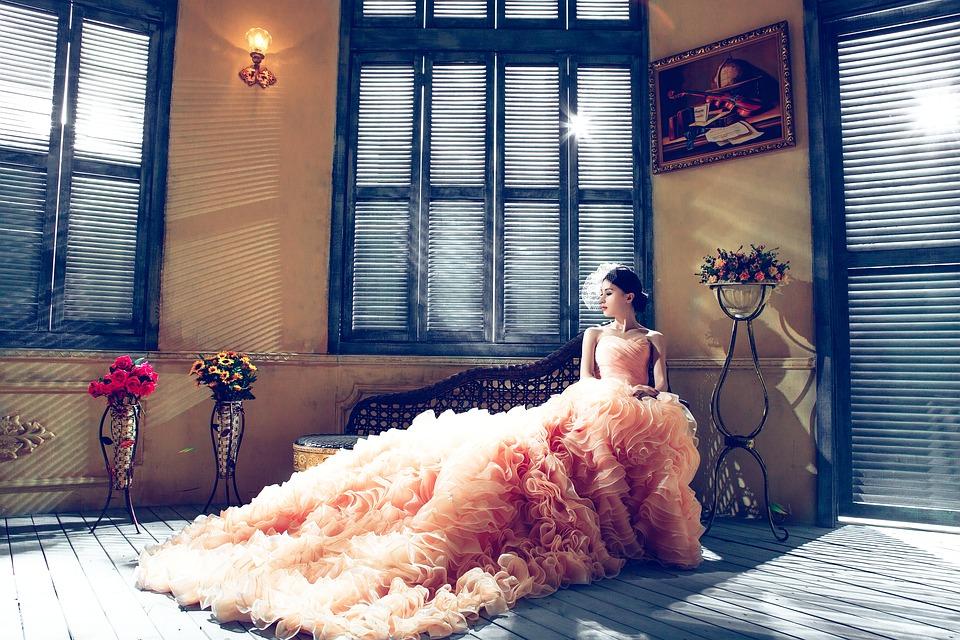 Un precioso vestido de novia en color
