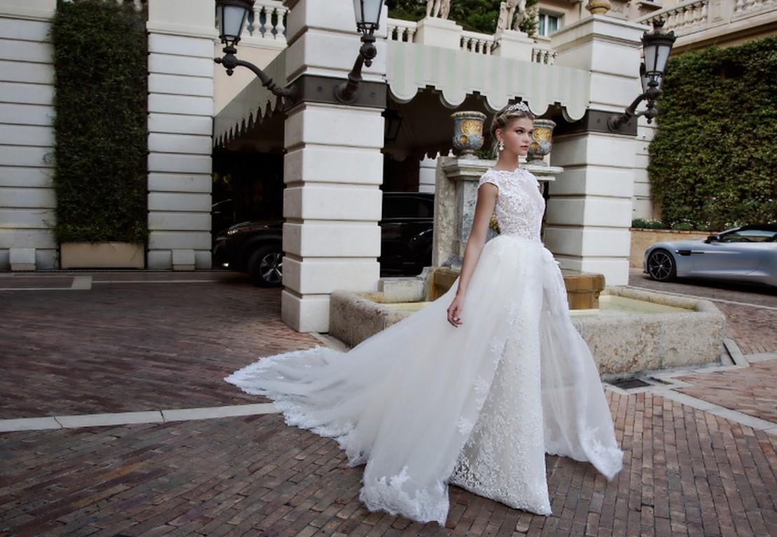 La doble falda nunca falta en las novias