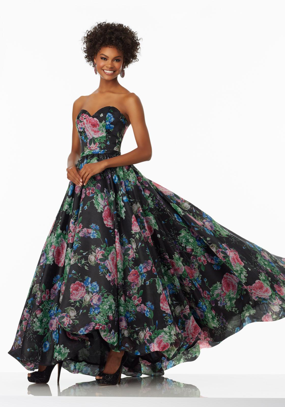 Vestido con grandes estampados florales