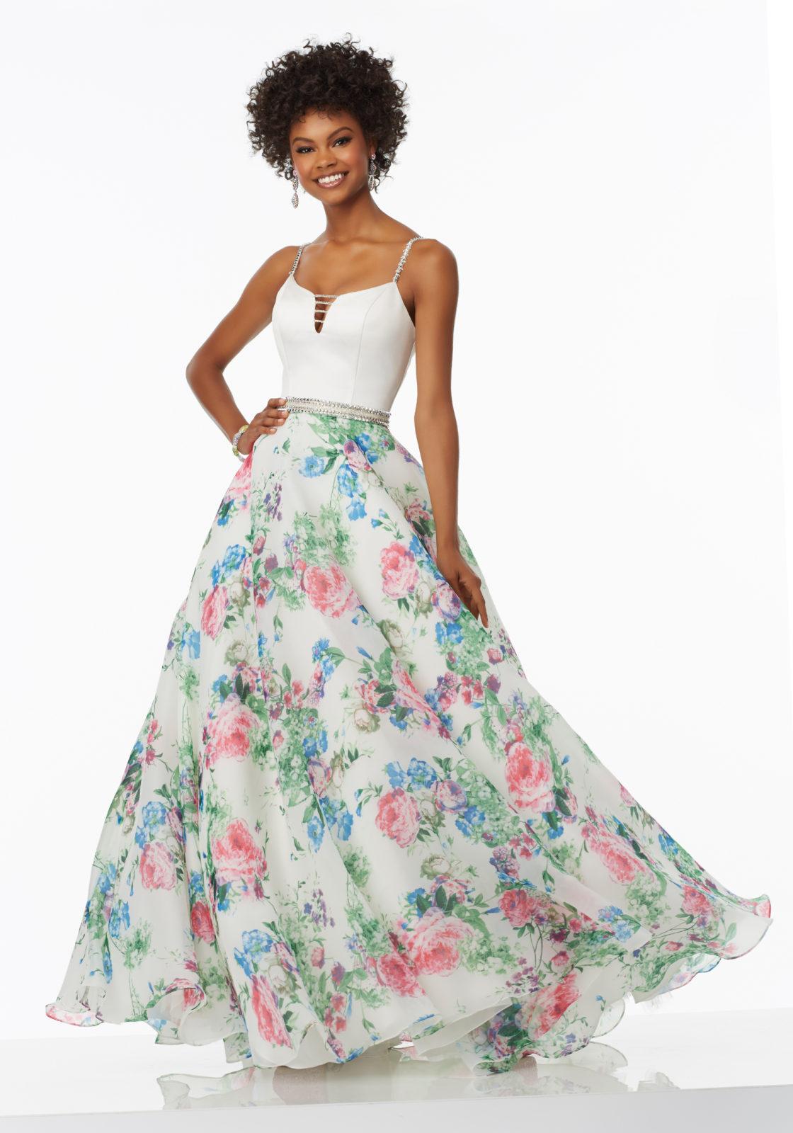 Combinación de falda estampada con top