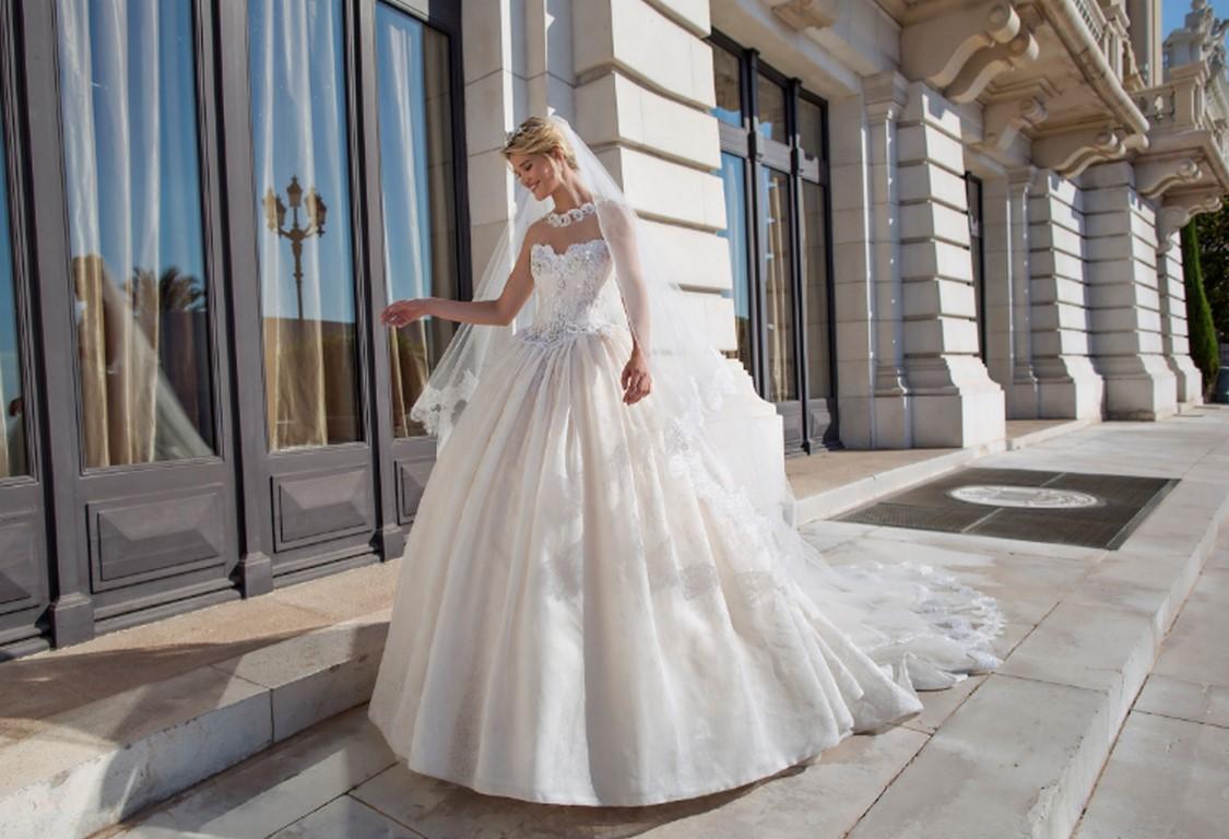 Vestido princesa Alessandra Rianudo