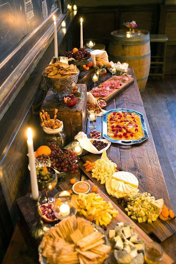 Mesas de comida para boda de tipo buffet moderna