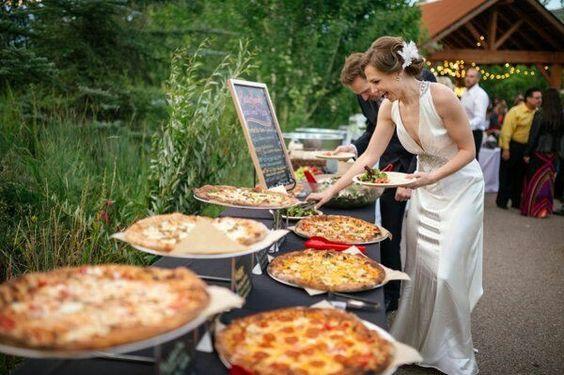 boda tipo buffet con pizza!