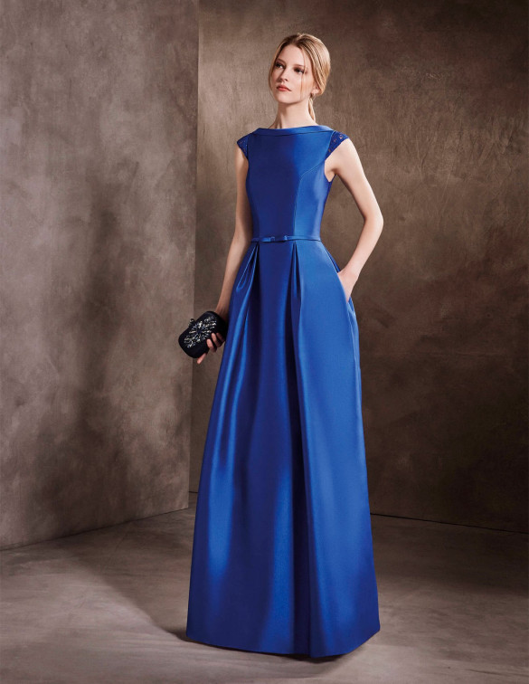 Vestido azul con corte evasé