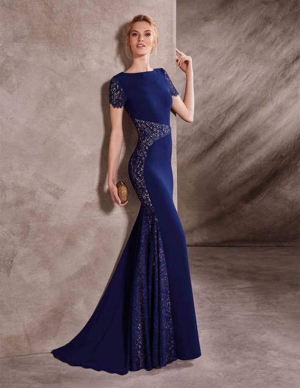 Vestido recto con detalles muy elegantes