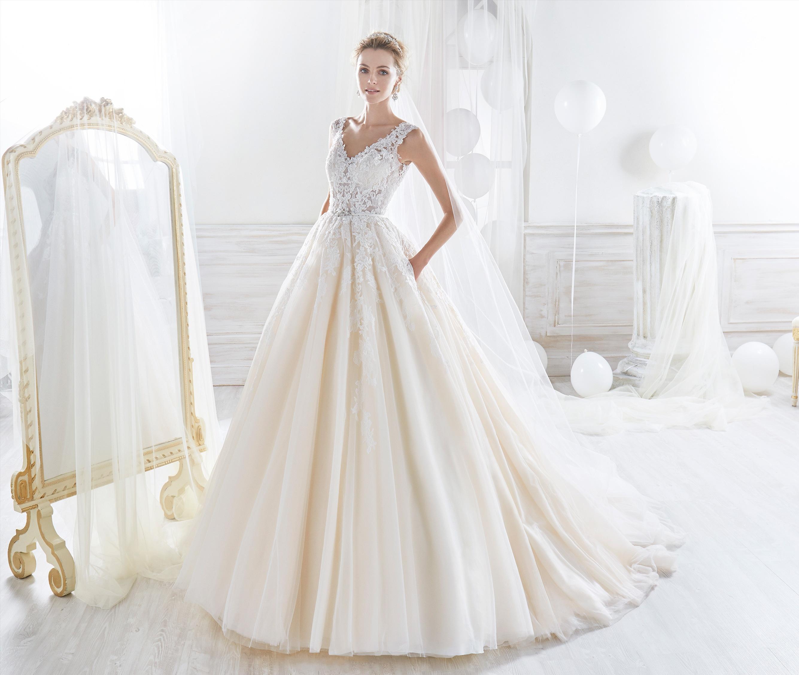 Vestido de tirantes en las novias 2018