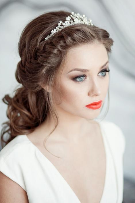 Maquillaje para novia con labios rojos
