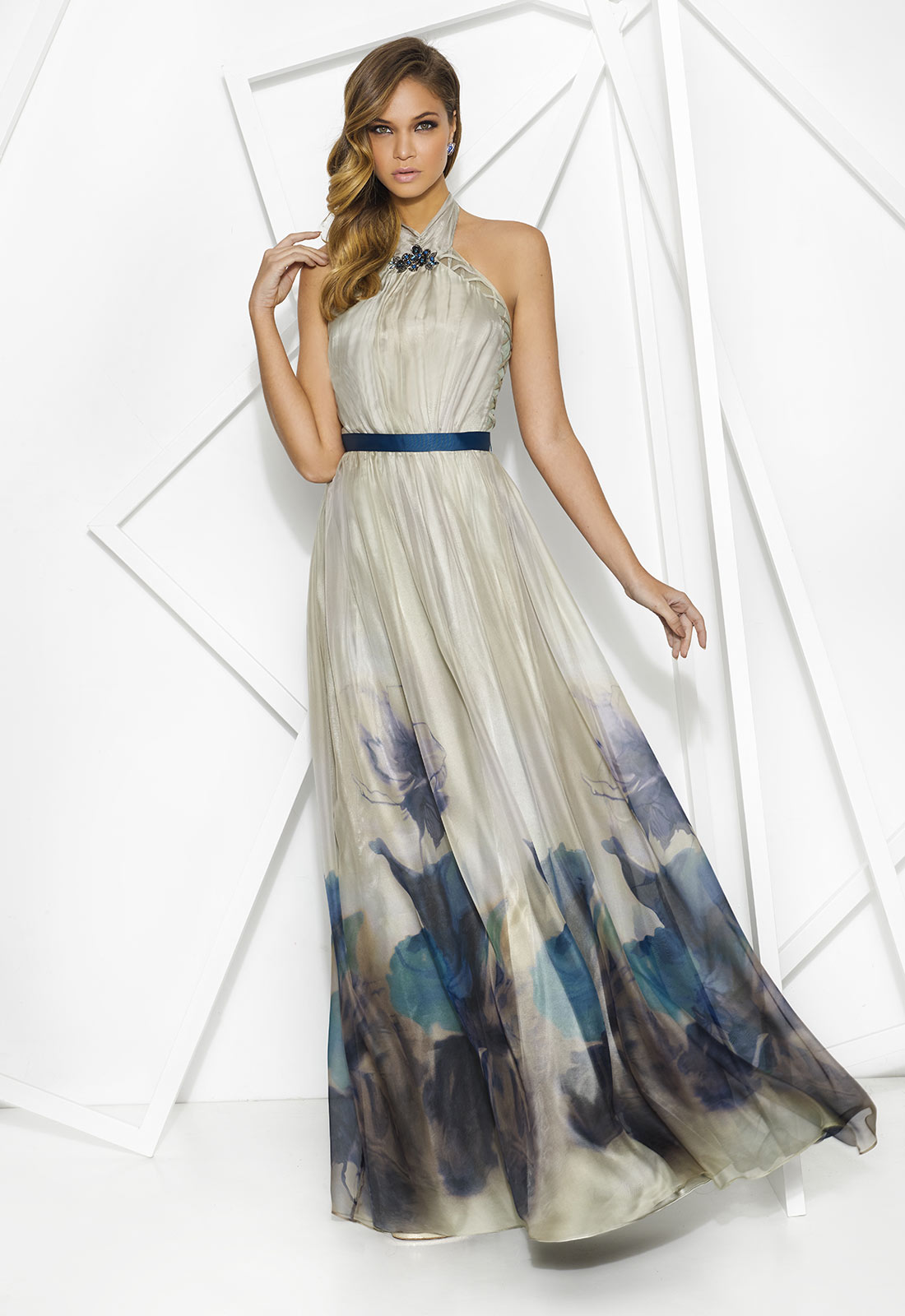 0a9eb54ac98 Vestidos largos y cortos - Ideas para ser la invitada más moderna