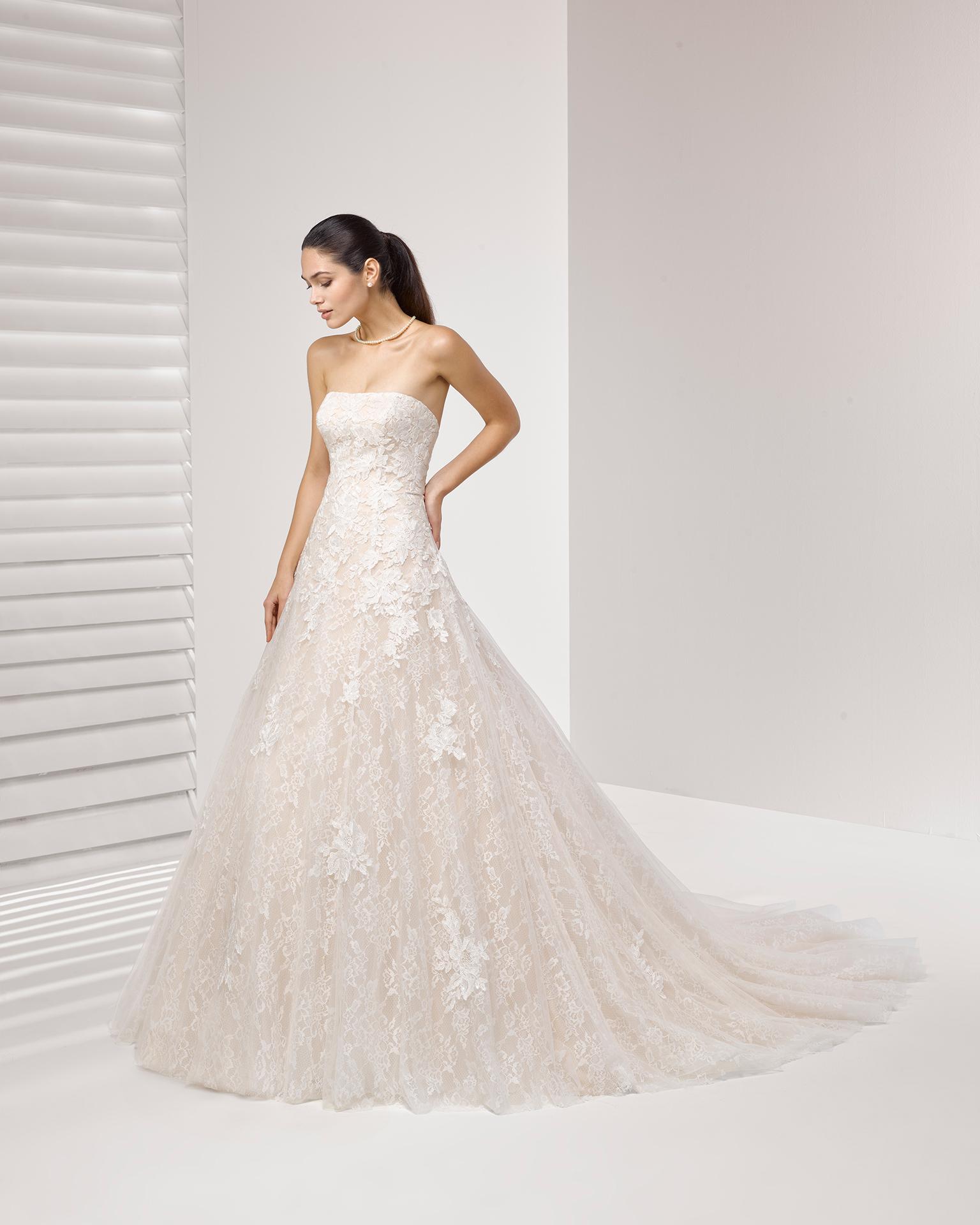Vestido princesa novias con color y encajes