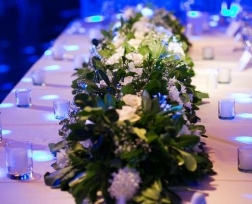 Precioso y elegante centro de mesa para boda